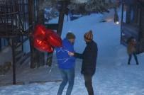 KAR FIRTINASI - Uludağ'da Sevgililer Günü'nde Kar Fırtınası