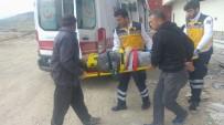 ADıYAMAN ÜNIVERSITESI - Yüksekten Düşen İnşaat İşçisi Yaralandı