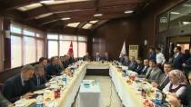 MEVLÜT UYSAL - Başkan Uysal, Esenyurt Belediyesi'ni Ziyaret Etti