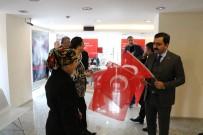 MUZAFFER ASLAN - Belediye'den STK'larla Birlikte Türk Bayrağı Dağıtımı