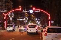 YAYA GEÇİDİ - Büyükşehirden LED'li Sinyalizasyon Direği Uygulaması