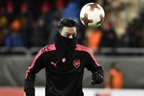 KENDİ KALESİNE - Mesut Özil'li Arsenal, Östersunds'u Farklı Mağlup Etti