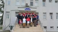 SOSYAL SORUMLULUK PROJESİ - Öğretmen Ve Öğrencilerden Askere Moral Ziyareti