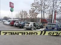 TÜP PATLADI - Park Halindeki Otomobil Bomba Gibi Patlad