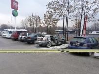 TÜP PATLADI - Park Halindeki Otomobil Bomba Gibi Patladı Açıklaması 1 Yaralı