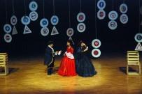 MEDYA DERNEĞİ - Sevgililer Günü'nde Çiftler 'Twitter Fenomeni Romeo Ve İnsta Girl Juliet' Oyununu İzledi