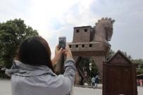 KEMAL DOKUZ - Troia'yı Bir Yılda 329 Bin Kişi Ziyaret Etti