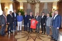 ÖMER ÖZKAN - Vali Karaloğlu, Antalyaspor Yönetimini Ağırladı