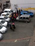 AİLE HEKİMİ - Bahçelievler'de Sokak Ortasında Doktoru Bıçakladılar