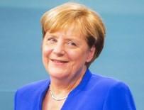 CAN DÜNDAR - Can Dündar ve Emre Uslu'nun Merkel hayranlığı kabardı