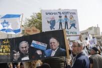 DOLANDıRıCıLıK - İsrailliler Netanyahu'yu İstifaya Çağırıyor