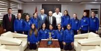 VOLEYBOL TAKIMI - Kupa Sevinçlerini Başkan Kayda İle Paylaştılar