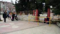KEMAL KURT - Okul Çevresinde Amaçsız Bekleyene Para Cezası