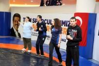 KARADENIZ - Otizmli Ve Down Sendromlu Çocuklara Jimnastik Eğitimi