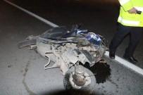 DEVLET HASTANESİ - Otomobille Motosiklet Çarpıştı Açıklaması 2 Ölü