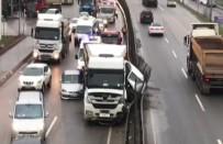 TAŞDELEN - Şile Yolunda Hafriyat Kamyonu İki Aracı Ezdi Açıklaması 1 Yaralı