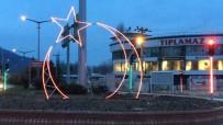 TÜRK BAYRAĞI - Simav'da  Ay-Yıldızlı Işıklandırma