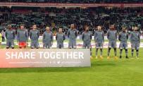 ALPER ULUSOY - Spor Toto Süper Lig Açıklaması Atiker Konyaspor Açıklaması 0 - Beşiktaş Açıklaması 1 (İlk Yarı)