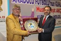 TÜRKLER - Teknik Direktör Mustafa Reşit Akçay, Kütahya'da Spor Camiasıyla Bir Araya Geldi