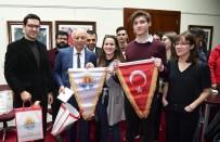 TÜRK BAYRAĞI - Uyuşturucuya Savaş Açan Avrupalı Gençler Adana'da