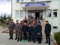 OKUL MÜDÜRÜ - Ortaokul Öğrencilerinden Mehmetçiklere Moral Ziyareti