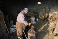 DERECIK - Sınırda 50 Yıldır Demir Dövüp Ekmeğini Çıkartıyor