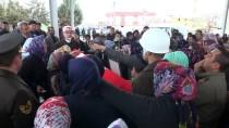 LİSE ÖĞRENCİSİ - Trafik Kazasından Ölen Astsubay Toprağa Verildi