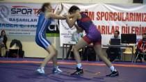 MUSTAFA ÇAKıR - Türkiye Yıldız Bayanlar Güreş Şampiyonası Başladı