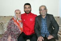 Afrin Gazisi Tedavisinin Ardından Elazığ'daki Baba Ocağına Getirildi