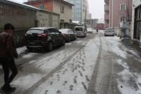 KAR YAĞıŞı - Ağrı'da Kar Yağışı Etkili Oluyor