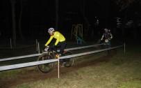 KAĞITHANE BELEDİYESİ - Bisikletçiler Gece Pedal Çevirdi