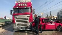 ŞIRINEVLER - Bursa'da Zincirleme Trafik Kazası Açıklaması 2 Yaralı