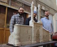 SOSYAL MEDYA - Çifte Minarenin Minyatürüne Paha Biçilemiyor