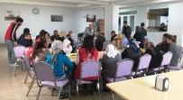 Erganili Gençlerden Bakım Evine Ziyaret