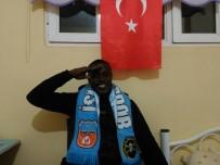 OLIVER - Nijeryalı Futbolcudan Mehmetçik İçin Asker Selamı