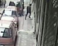 Adım Adım Takip Ettiği Kıza Apartmanda Saldırdı