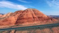 GÖKKUŞAĞI - Renk Cümbüşünün Yaşandığı Tepeler Ziyaretçilerini Bekliyor