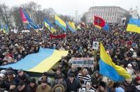 GÜRCİSTAN CUMHURBAŞKANI - Ukrayna'da Saakaşvili'ye Destek Gösterisi