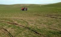 KAR YAĞıŞı - Yozgatlı Çiftçiler Ekinlerinin Gübreleme Çalışmalarına Başladı