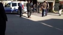 KARACAOĞLAN - Adana'da Öğrenci Servisine Silahlı Saldırı