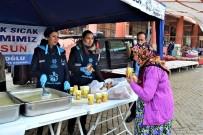 PAZARCI ESNAFI - Aydın Büyükşehir Belediyesi'nden Karacasululara Çorba İkramı