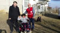 YÜRÜME ENGELLİ - Engelli Genç Kıza, Akülü Tekerlekli Sandalye Hediye Edildi