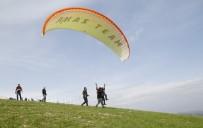 BARAJ GÖLÜ - Görme Engelliler Yamaç Paraşütüyle Uçtu