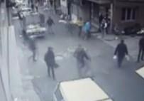 OKMEYDANı - İstanbul'da Sokak Ortasında Silahlı Çatışma
