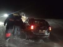 DAĞPıNAR - Kars'ta Tipi De Mahsur Kalan 4'Ü Öğretmen 10 Kişiye AFAD Kurtardı