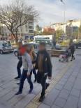 MOBESE - Kuşadası'nda Mobeseye Takılan Hırsızlık Zanlıları Yakalandı