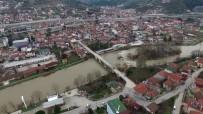 MEHMET YAŞAR - (Özel) - 523 Yıllık Tarihi 2. Beyazıt Köprüsü Havadan Görüntülendi