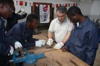 KALİFİYE ELEMAN - TİKA Türkiye'nin Mesleki Eğitim Tecrübelerini Mozambik'e Aktarıyor