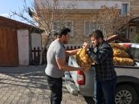 ALI TÜRKER - Ülkü Ocakları İhtiyaç Sahiplerine Patates Dağıttı