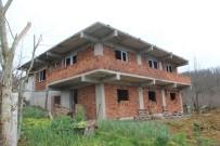 SAĞLIK MESLEK LİSESİ - Verem Savaş Derneği Evsiz Ailenin Evini Yaptırıyor
